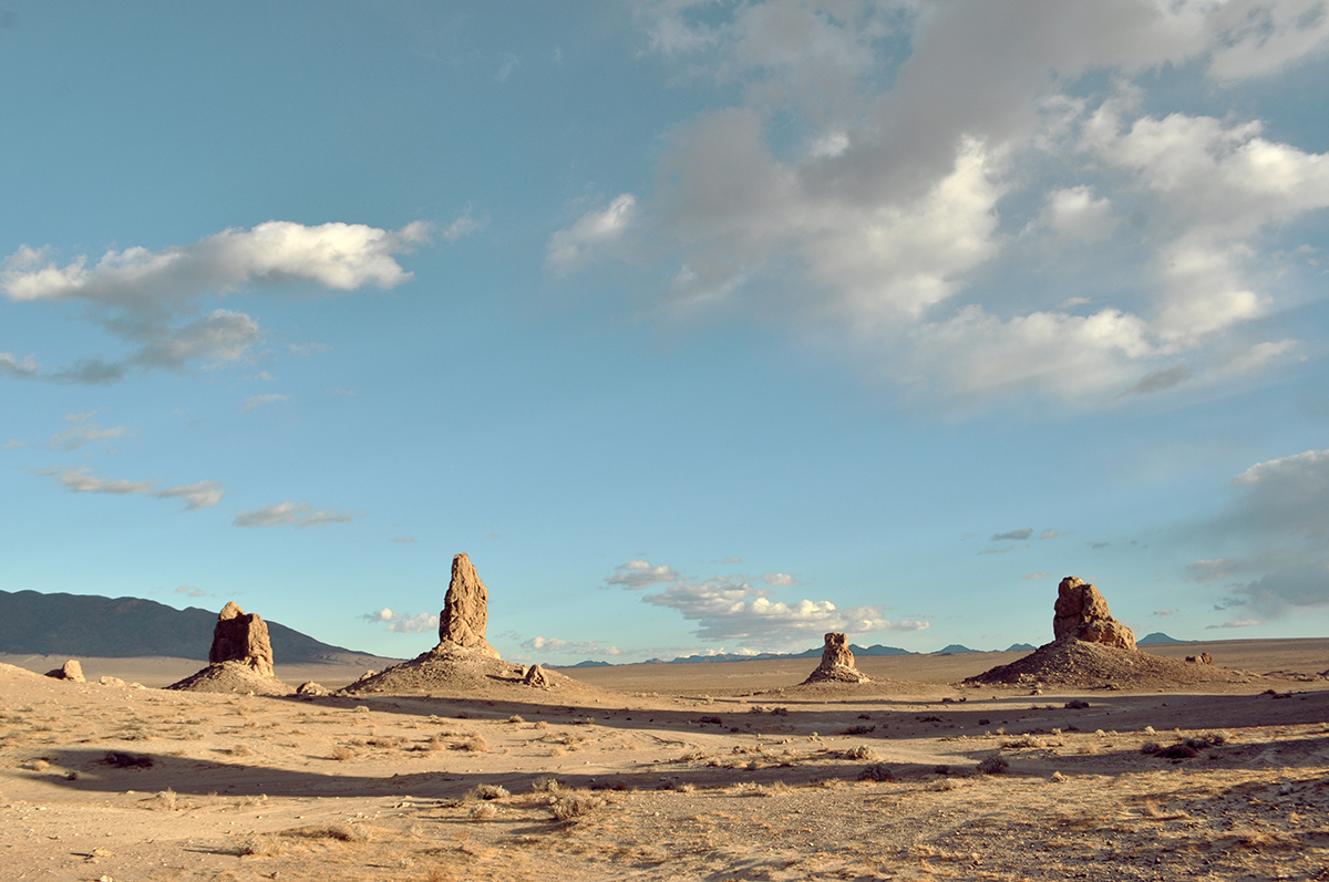 photo - Trona Pinnacles